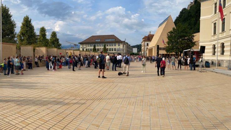 Knapp 500 Teilnehmer an der Corona Demonstration gestern in Vaduz